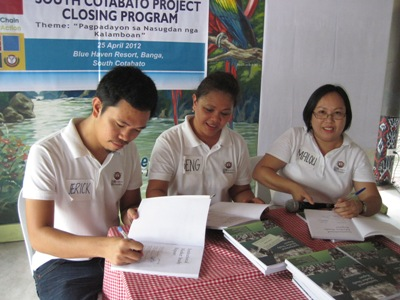 Book_signing_in_South_Cotabato_rzd_25